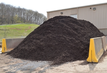 Chocolate Brown Mulch for Sale | Diamond Mulch, Indianola Allegheny County PA