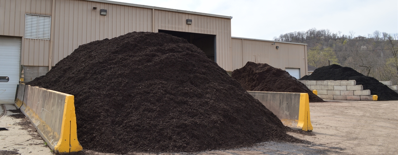 Black, Cherry Brown and Chocolate Brown Mulch for Sale | Diamond Mulch, Indianola Allegheny County PA