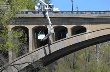 Bridge rigging repair equipment