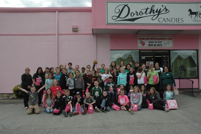 Wheeling Students visit Dorothy's - Fifth Grade Students from Wheeling Enjoy Dorothy's Candies    WHITE OAK -- Fifty fifth...