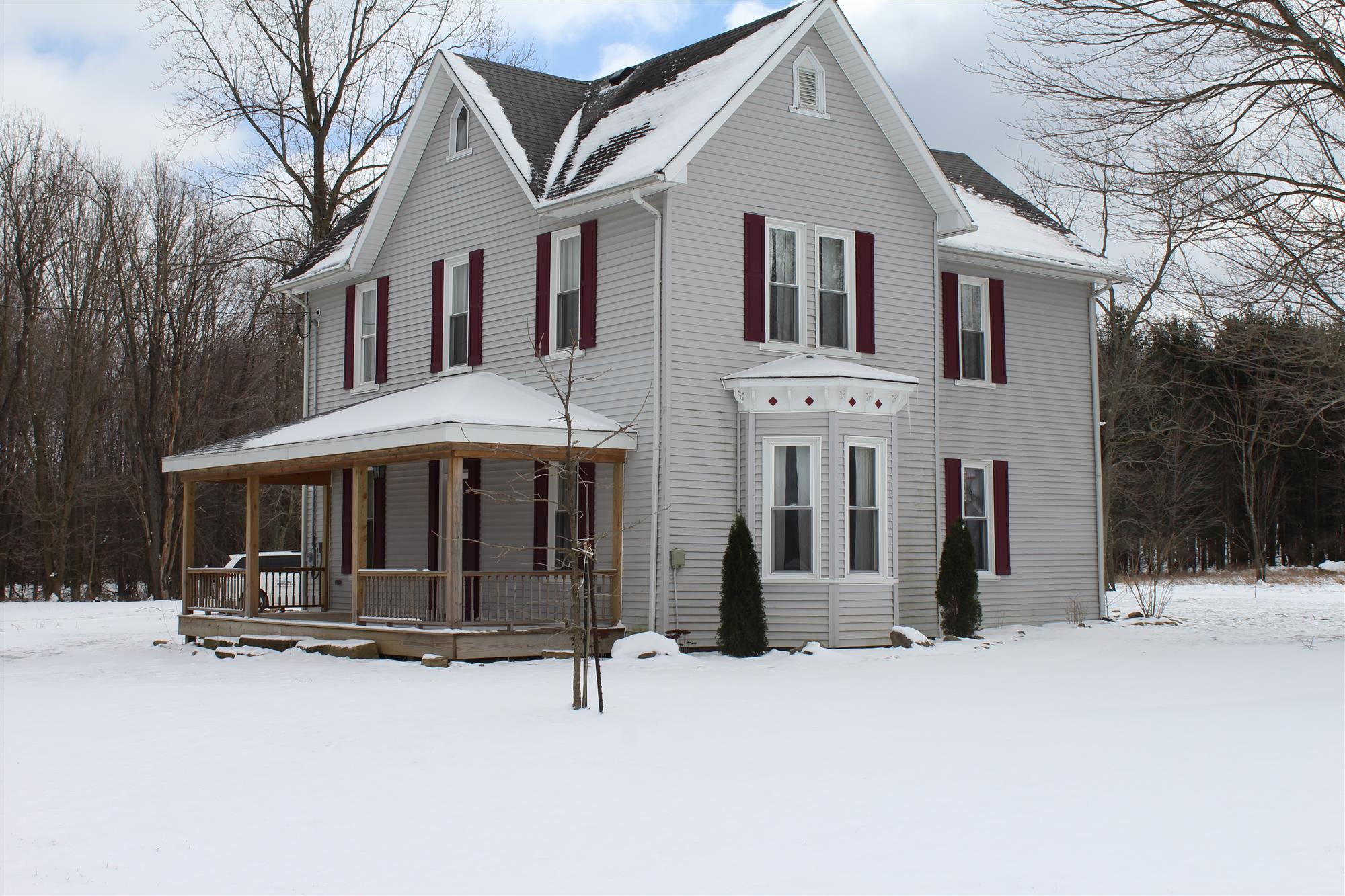 New Listing in Allegheny Twp (Butler County) ! -  410 Foxburg Road, Parker  Move right into this Victorian farmhouse with ...