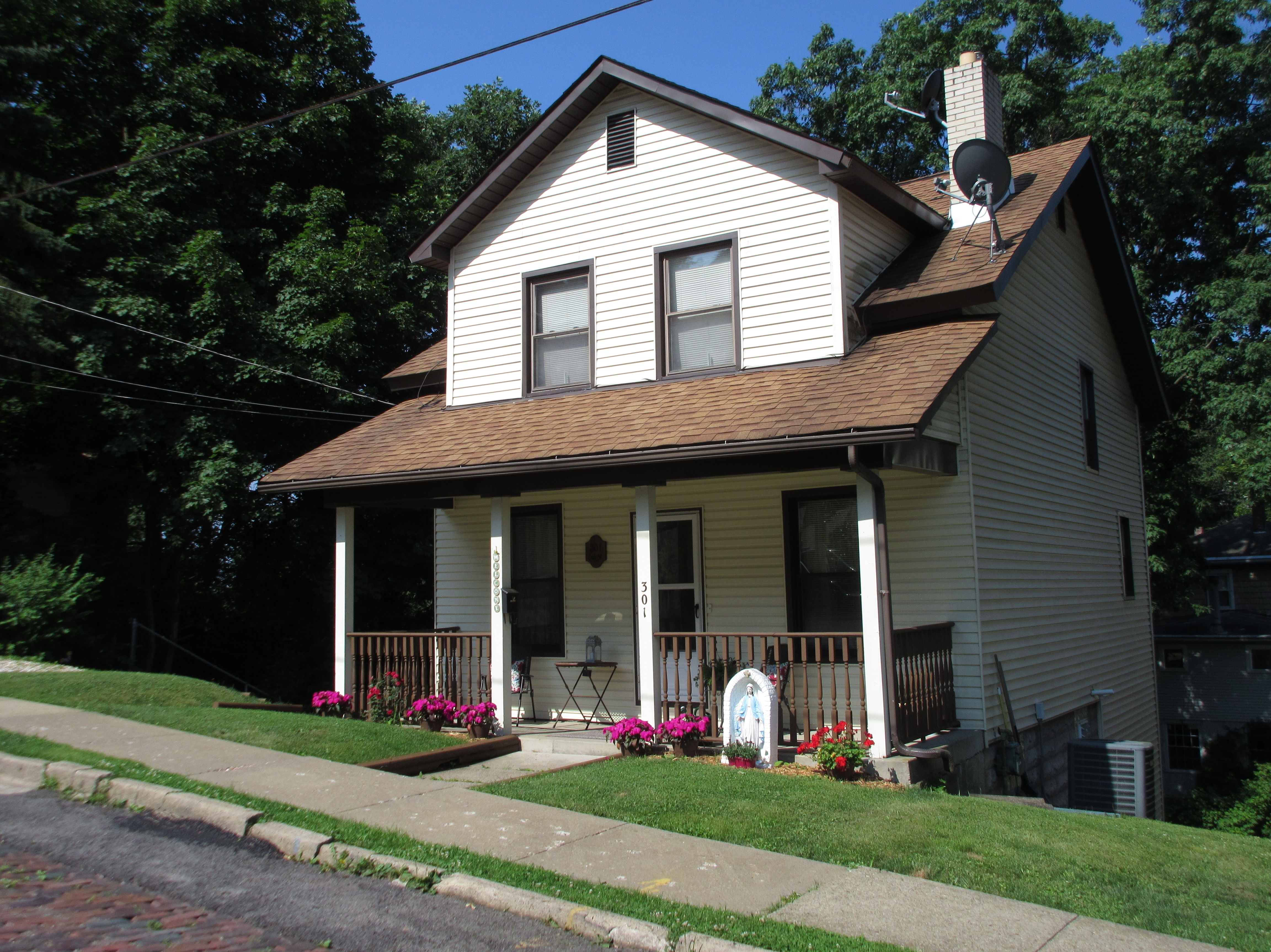 2 story updated home on Institute Hill -   Three upstairs bedrooms; living room with fireplace; dining room with laminate ...