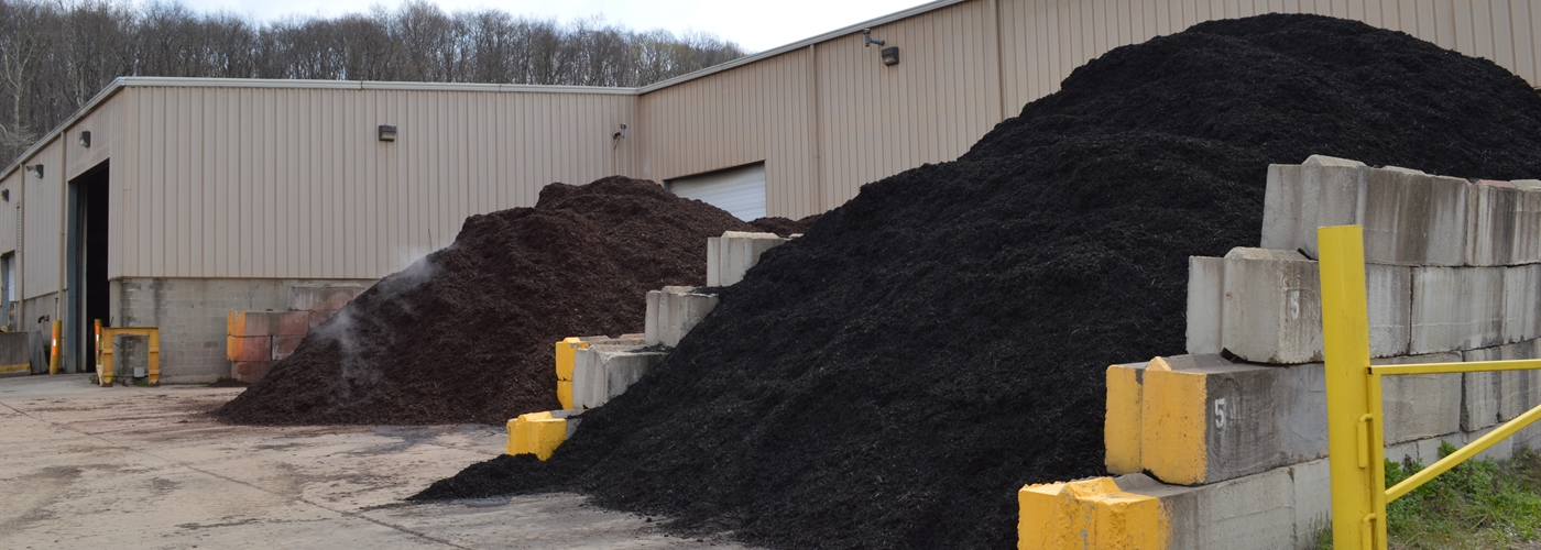 Mulch, Landscaping Products and Wood Waste Recycling | Diamond Mulch, Inc. - Mulch, Landscaping Products And Wood Waste Recycling Diamond Mulch