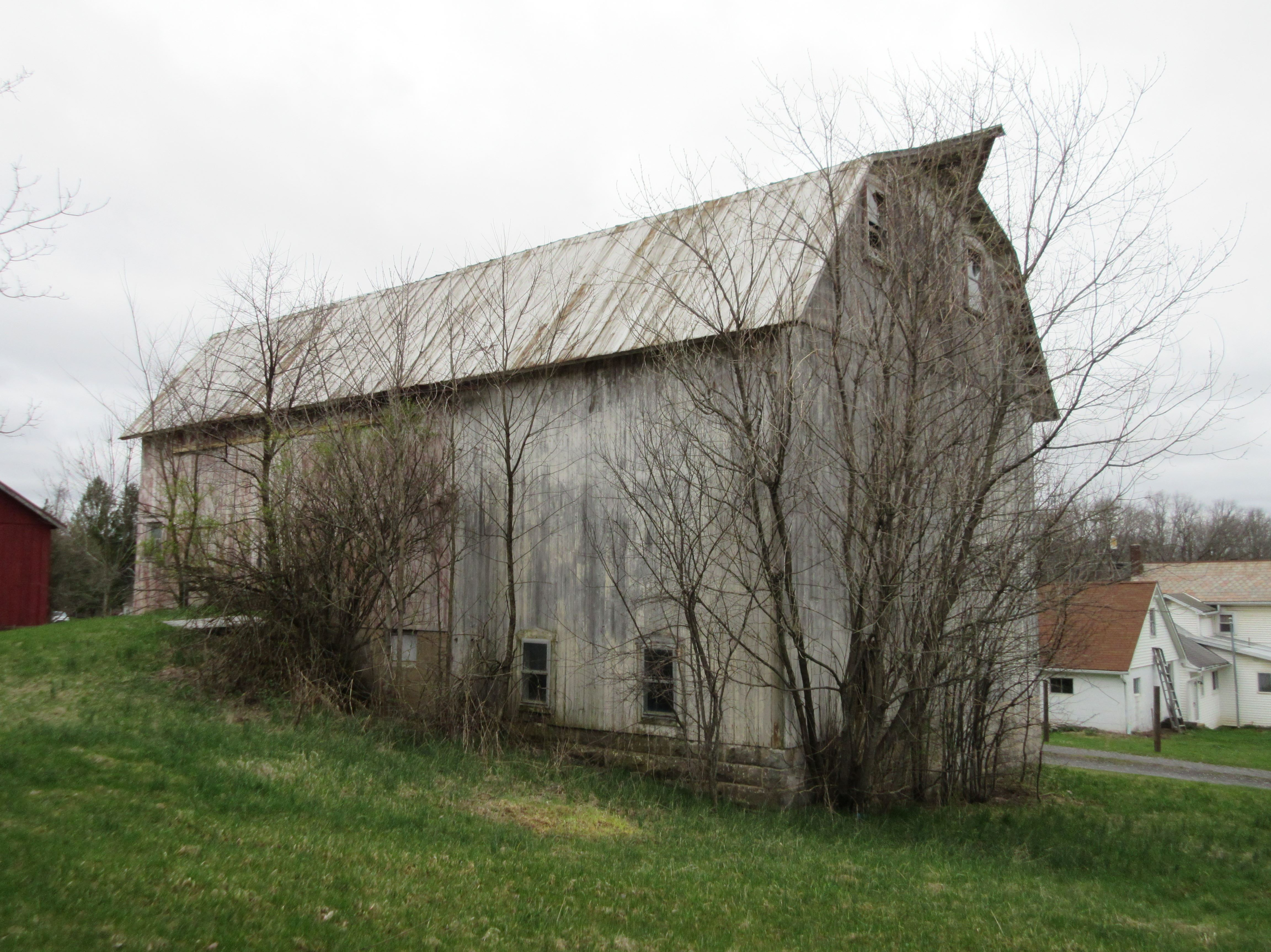 4.37 acres in Marion Township ! -   Manufactured homes acceptable. No zoning. Large barn (30 x 30) needs TLC as well as th...