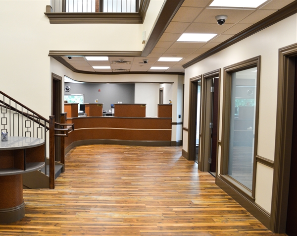 lobby of the ssb bank mccandless branch